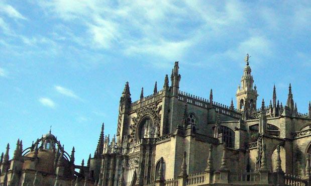 Sevilla alquiler de coche en sevilla for Alquiler casa en umbrete sevilla